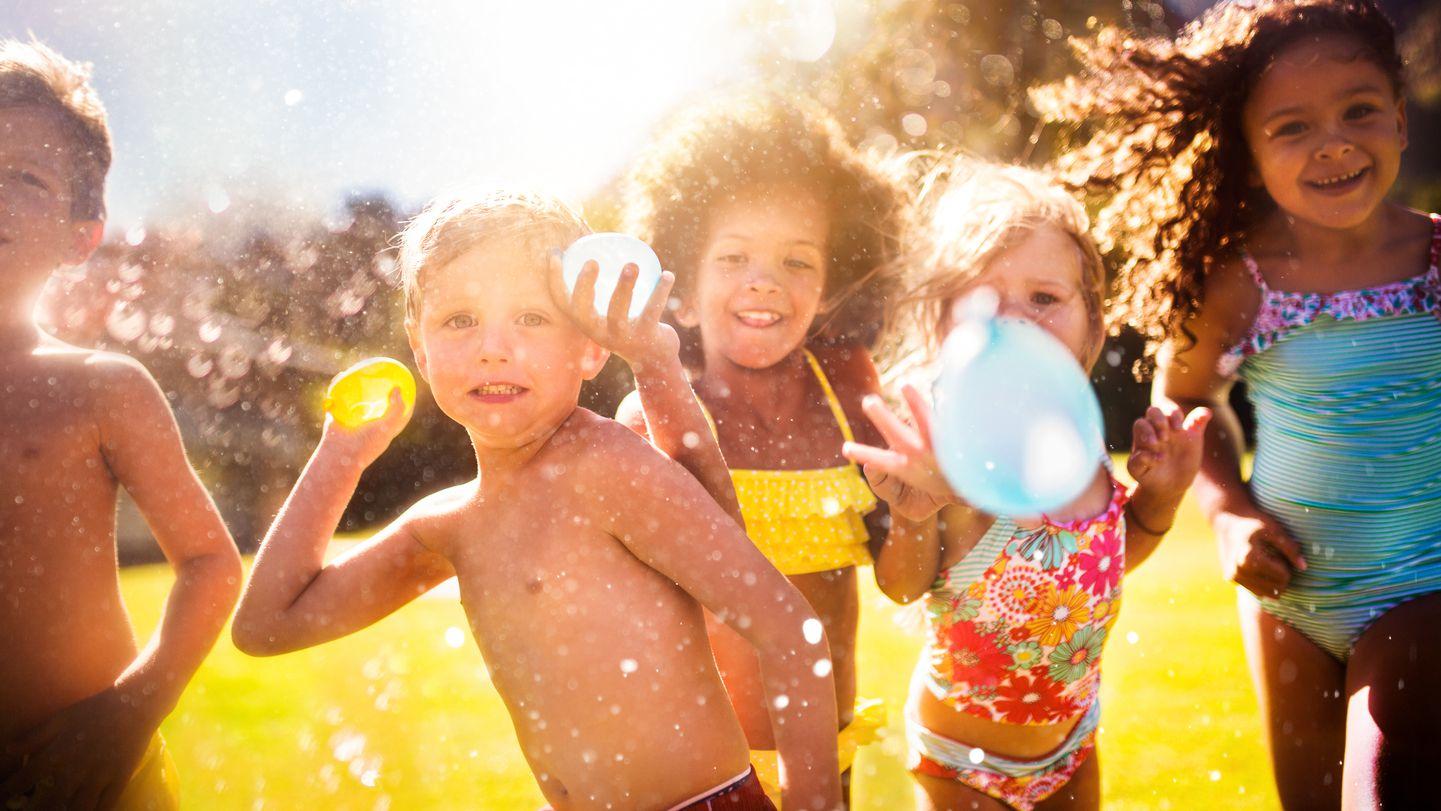 Mit Diesen Wasserspielen Wollen Ihre Kinder Den Ganzen Tag Im Garten Bleiben